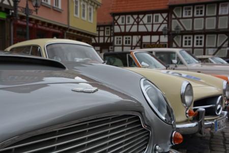06_Britische-und-deutsche-Sportwagenlegenden-Tür-an-Tür